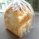 ウッドペッカーのくるみ食パン